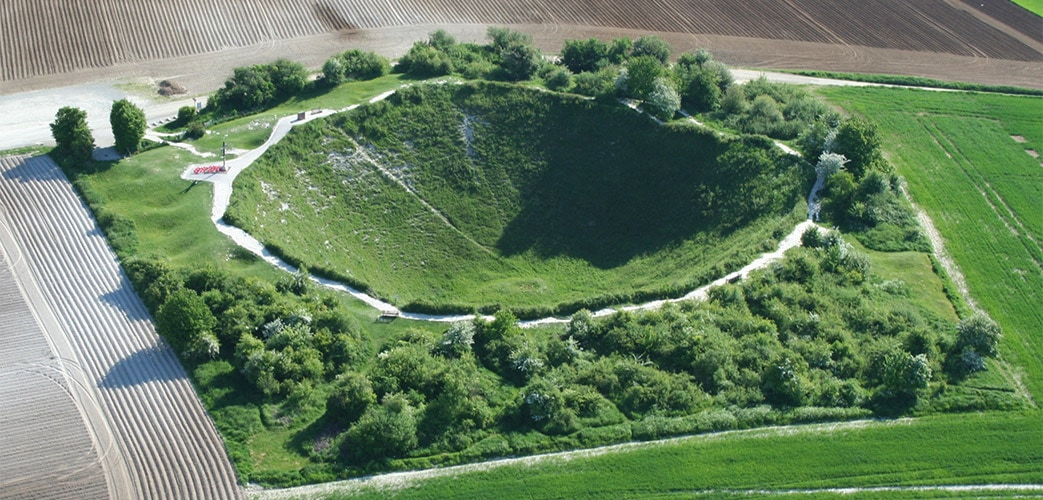 Somme Battlefield Day Tour from Paris : Small Group, Museum & Military  Cemetery | Blue Fox Travel